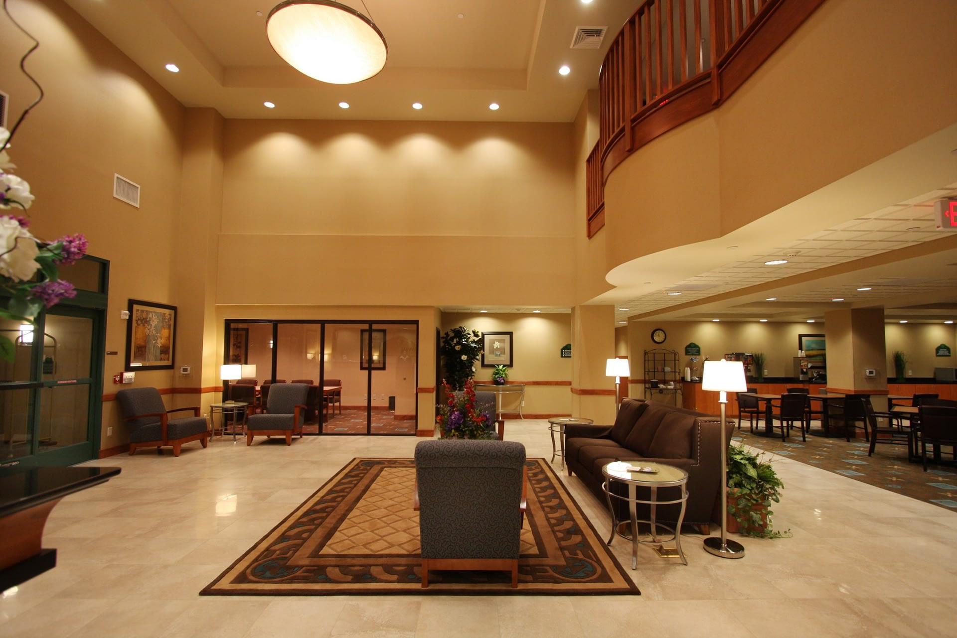 Wingate - Lobby
